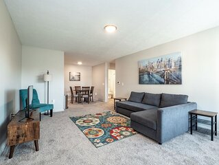 Beautiful 2 Bed/2 Bath Condo with Private Garage! Cedar Point + Kalahari Getaway