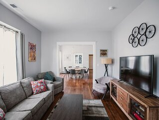Remodeled dwtn home, big kitchen, walk or bike to shops
