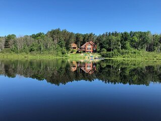 Grass Lake Lodge-On Private 6 Acre Lake & Carriage House on 65 Amazing Acres