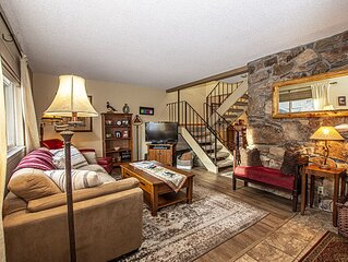 Lake Forest Glen # 15: 3 BR / 2.5 BA condo/townhouse in Tahoe City, Sleeps 6