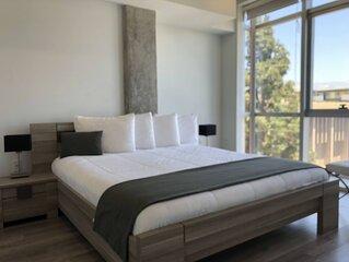 Modern 2BD/2BA Apartment Minutes to Americana