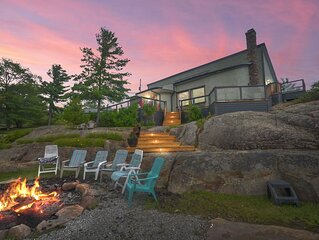 MUSKOKA WATERFRNT 8 Acre, 2600 S.F !3 Bedrm+Bunkie.Sleeps12, PRIVACY+,5*REVIEWS