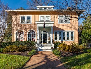 Historic Italianate Villa and Gardens in Northside/Ginter Park - Pet Friendly