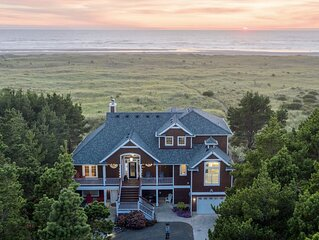 LUXURY OCEANFRONT BEACH RETREAT! Make Lasting Memories Here!