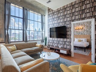 Sosuite | Enchanting Penthouse near Center City | Skyline View + Discounted Park