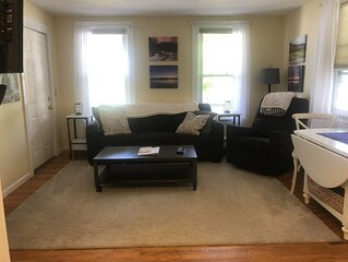 Great Price- 2-Bedroom clean and Quiet- Maple St. Walk anywhere