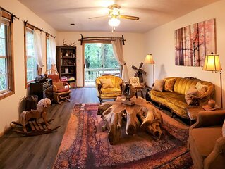 Pet Friendly Cabin & Camp Retreat Nestled on a Private Mountain Ridge- Helen, GA