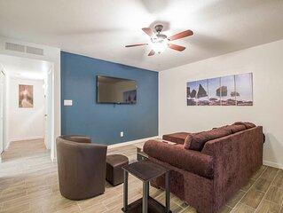34A Casa Grande Modern 1bd condo w HEATED POOL