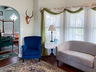 New listing! Victorian-inspired home by the beach w/ a full kitchen & porch
