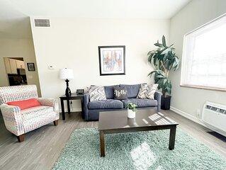 2BR/2BA Furniture City Flat w/ Pool