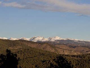 Snow capped views, wildlife, lake, close to skiing & Red Rocks Amphitheater
