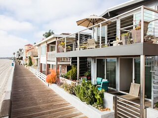 Oceanfront Living On Beautiful Peninsula in Long Beach