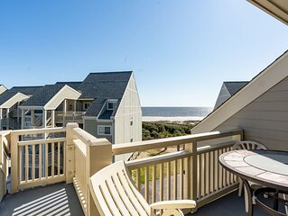 A Reese Retreat: 2 Bed/2 Bath Condo with Community Pool and Deck with Ocean View