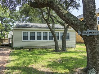 Bill's Place: Dog-Friendly with Fenced Yard One Block from the Beach
