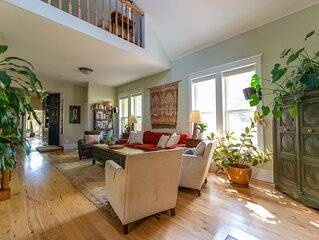 Make yourself at home in a spacious, clean and comfortable downtown Boulder home