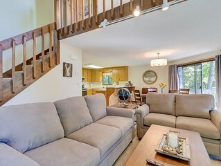Charming home w/ amazing forest views, central AC, and 24/7 security!