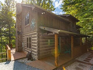 Among the Trees - Valle Crucis Cabin with hot tub, Pool Table, Pond, Fire pit