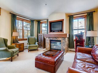 Wonderful Main Street condo w/shared hot tubs and pool - walk to lifts!