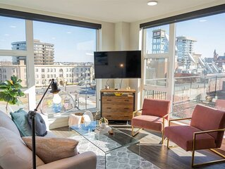 Downtown 2 bed Apartment with Rooftop Deck