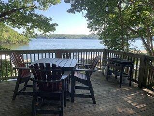 Come enjoy the lake - Amazing views - sleeps 14