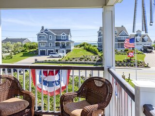 Gorgeously Decorated Oceanside Home Steps to Roger Wheeler/Sand Hill Cove Beach