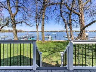 Amazing Lakefront on Powers Lake with private beach and a private pier!