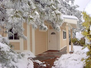 Giant Oaks Lodge - Two Bedroom Family Cabin 114