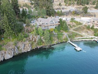 Lake Chelan Lodge - Luxury 5 Bedroom Waterfront Home, Sleeps 15, Private Dock!