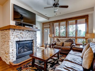 Ski-in/ski--out retreat with large, private balcony, shared pool, & hot tub!