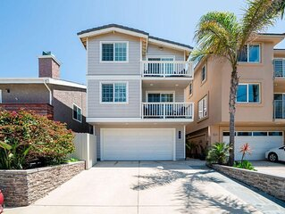 Modern Beach Home, Steps to Sand! 4 Bed/ 4 Bath, Ocean View Deck, Guest Apt.