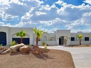 Bullhead home with a view, pool & heated spa!