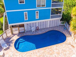 Private Pool Home , Steps from the Beach and SPECTACULAR Sunsets from the Porch