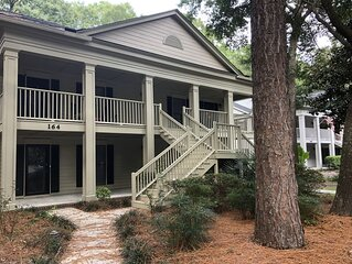 Romantic  Condo,  Gated Pawley's Plantation.  Professionally cleaned every time!