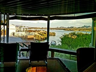 Beachfront Lake Views at The Lost Lanai!