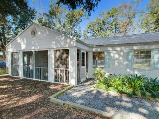 *PROFESSIONALLY CLEANED COASTAL • Beach Chic Coastal Villa! Clean w/ Large Yard!