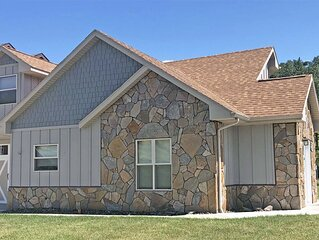 Lovely Town Home Next to the Mickelson Trail and Convenient to Attractions