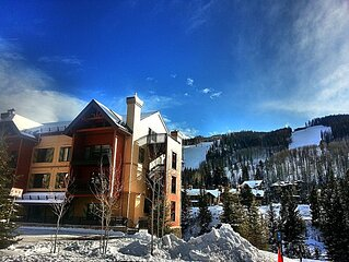 Ski-in/Ski-out * the Gondola! HOT TUBS, POOL LionSquare Lodge Deluxe Resort