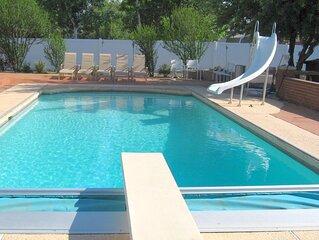 Gorgeous Remodeled * Pool * Hot Tub * Sauna * Theater * Churrasco Grill