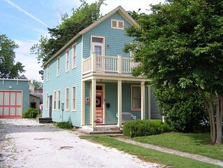 Fully Restored And Newly Furnished 1886 Beach Cottage Close To Downtown Shops