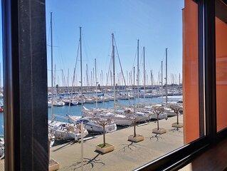 T2 - Vue panoramique port - calme - parking sécurisé