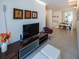 Apartamento de 2 quartos com varanda e vaga de garagem no Leme!