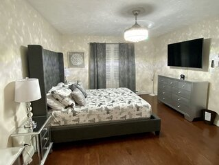 Super modern & Beautiful Clean Ranch House, with all of your essential needs