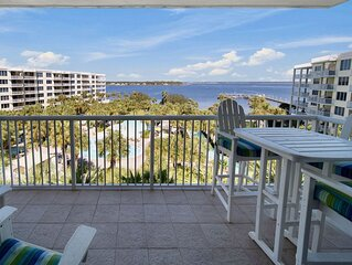 Destin West Sandpiper 605 - Fresh Remodel W/Amazing Views of the bay!