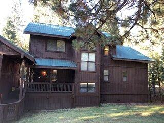 "Yosemite's  Southgate Vacation Cabin on Big Creek ""St. Jon's Place """