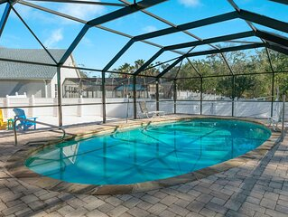 Fantastic Home In Centrally Located Neighborhood With A Private Pool!