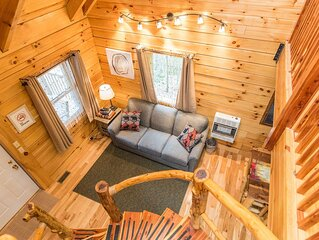 Hot Tub, WiFi, Adventure - Family Log Cabin - Hillside Haven - 150 acres in Red