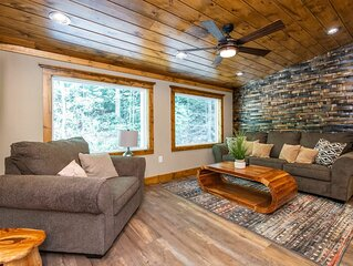 Hot Tub, WiFi, Adventure - Newly Constructed Family Cabin - Angel's View - Red R