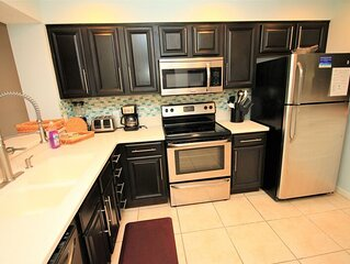 Close to pool! Updated unit, Freshly painted, new Carpet,15% off March!!