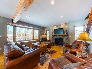 Stunning Colorado cabin w/ private hot tub & free WiFi - close to ski resorts!