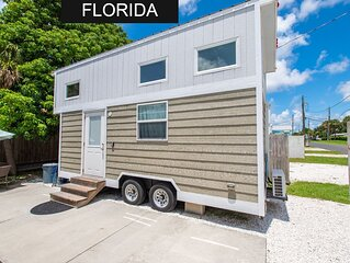 Tiny House Amy - near the beach with Free wifi!